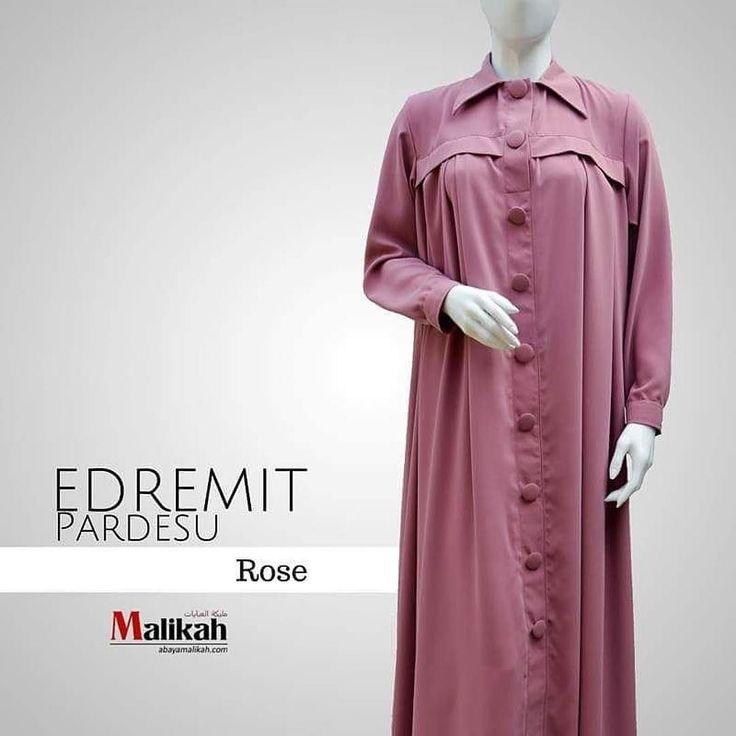 """Alhamdulillah  Telah hadir EDREMIT PARDESU in Rose  Warnanya calm and soft membuat Edremit Pardesu terlihat lebih anggun dan menawan.  Lengkapi  koleksi warna EDREMIT PARDESU di lemarimu!  Harga: Rp 445000  Apa itu """"Pardesu""""   Merupakan pakaian wanita yang sangat populer di Turki. Bentuknya seperti Trench Coat : yakni jas/jaket anti air (jas hujan). Model ini memadukan antara abaya Timur Tengah dan pakaian musim dingin ala Barat.  Pardesu biasanya hanya jatuh hingga ke pertengahan betis atau…"""