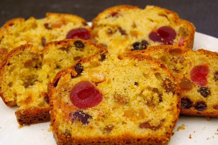 Je vis en Provence pas très loin de la capitale mondiale du fruit confit, donc les fruits confits j'en ai toujours quelques uns dans mes placards, j'adore ça! Alors j'ai eu envie de faire un cake bien gourmand qui était vraiment délicieux! Ingrédients...