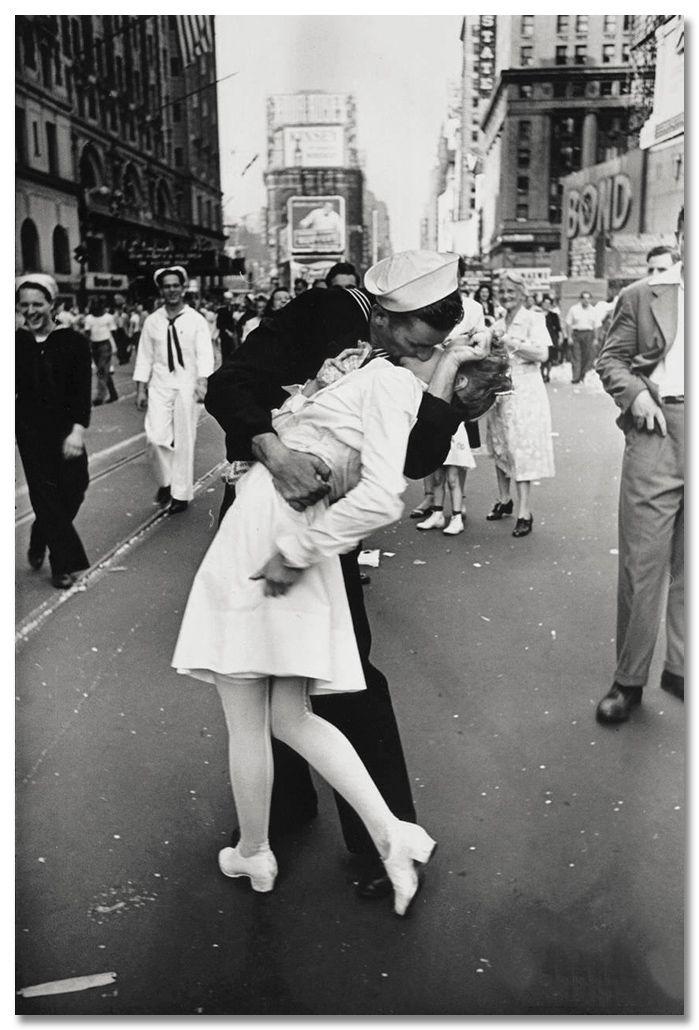 Alfred Eisenstaedt - Día de la victoría. Times Square, Nueva York 1945
