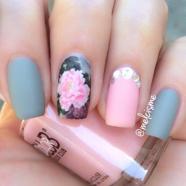 Matte / floral