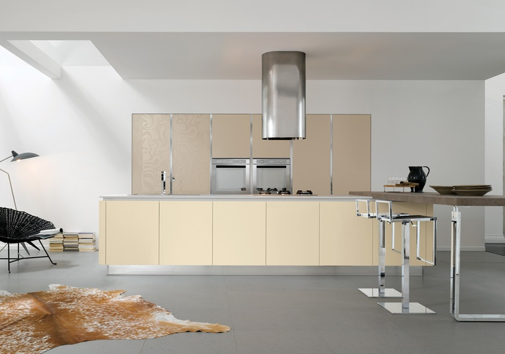 01 Contemporary kitchen VENUS by Zecchinon | Archisesto Chicago |