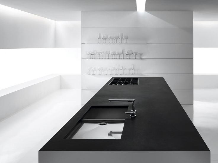 Puristic Interior Design In Black
