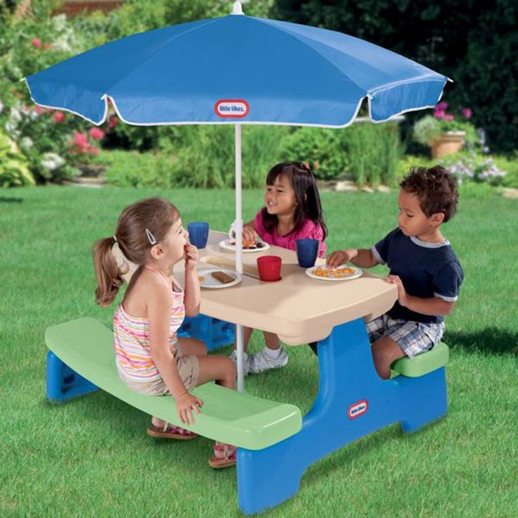 Easy Store™ Picnic Table with Umbrella - Blue\Green Item Number: 629952 Age: 2 - 8 years This indoor/outdoor table can be used as a play table or picnic table. Folds for fast set up and take down – an ideal portable table! Six children can sit comfortably for social play and interaction. Includes umbrella for safe fun in the sun.