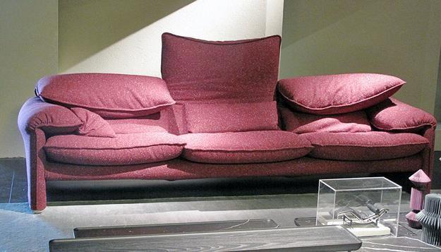 Uncategorized Red Round Mini Sofa Pink Patterned Cushion Modern ...
