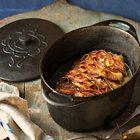 In de pan gebraden hert met jeneverbessen, sjalotten en bacon