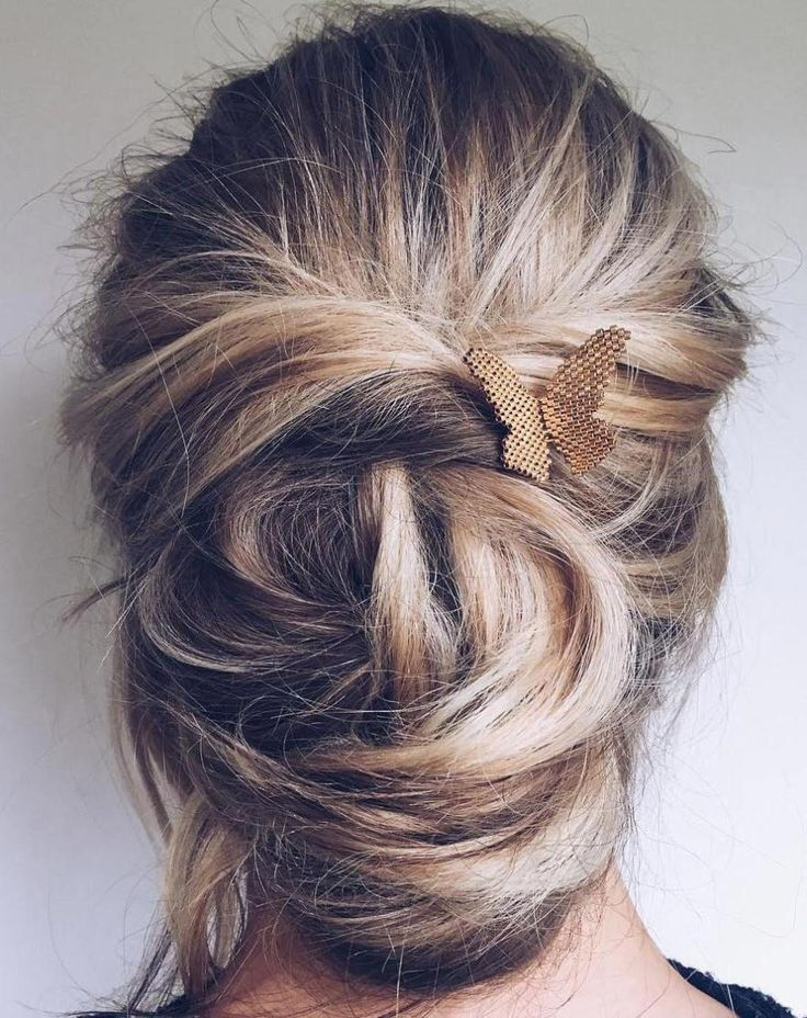 Messy Chignon Updo For Long Hair #simpleUpdos
