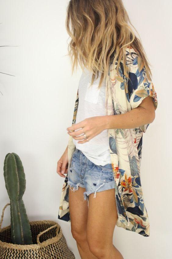Spring & Summer 2017! White tee, cut offs with cream kimono with navy & orange print. Summer kimono #stitchfix #sponsored