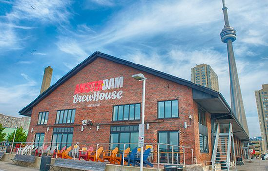 Visit the Amsterdam BrewHouse. Grab a beer by the waterfront at #AmsterdamBrewHouse #Toronto #Waterfront #EatToronto #DrinkToronto #Brewery #Patio #Canada