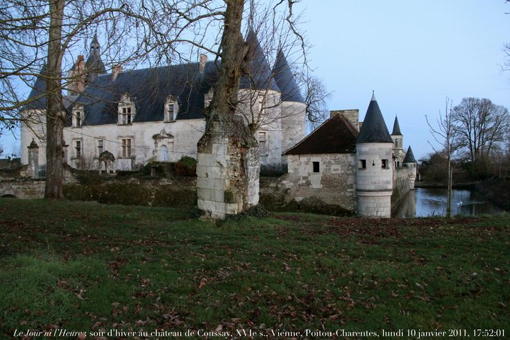 156 best Châteaux images on Pinterest Castles, Manor houses and Places