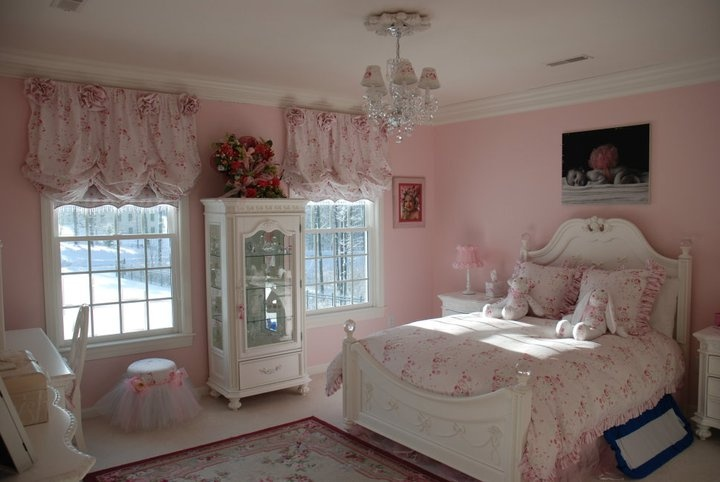 Little girls bedroom addison pinterest bedrooms for Pink bedroom designs for small rooms