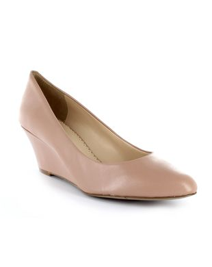 Shop online for wide range of Nine West Shoes at Majorbrands.in. For more details visit here: http://www.majorbrands.in/Nine-West.html or call on 1800-102-2285 or email us at estore@majorbrands.in.