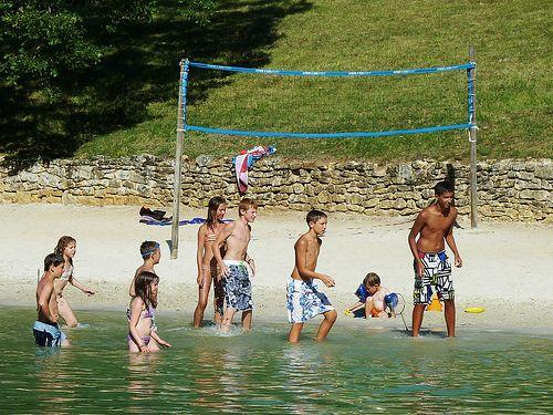 20 best Camping Dordogne, le Moulin de Surier, le lac de baignade et