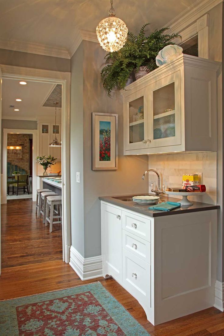 37 best butlers pantry images on pinterest butler pantry for Kitchen plans with butlers pantry