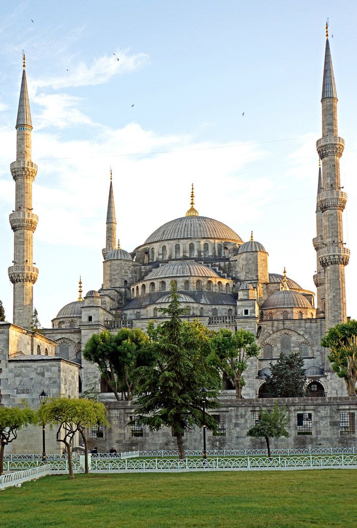 11 Places to Visit in Istanbul - Sultan Ahmed Mosque