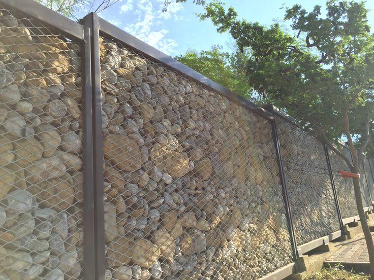 Muro de piedras, barda de piedras, cerca de piedras, muro protector ecologico  www.cerna.mx