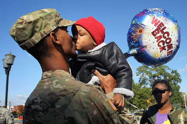 These Soldiers Returning Home Are Guaranteed To Warm Your Heart - http://www.lifedaily.com/these-soldiers-returning-home-are-guaranteed-to-warm-your-heart/