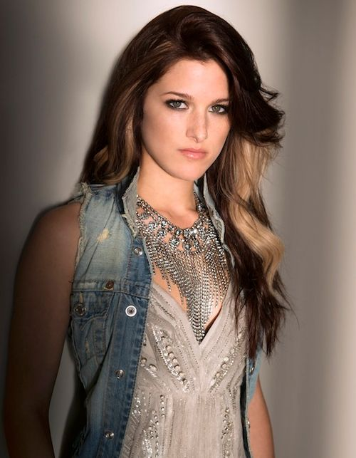 Cassadee Pope.. Love her hair!