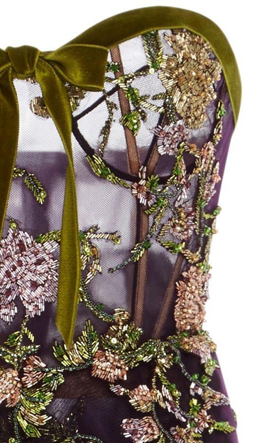 Fashion & Lifestyle | #Highend Haute Couture Herbst Mode Trends Frauen 2017. Luxus Fashion Marken Herbst Kollektionen. Luxuriöse high end fashion kleider. Clicken Sie an der Bild um mehr Mode Inspirationen für Herbst 2017. #pantonefarben #pantonefarbbericht #ifashion design #modetrends #herbst #farben2017 #luxusmode – Wohn Design Trend