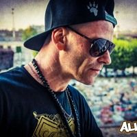 Visit ALIENK on SoundCloud