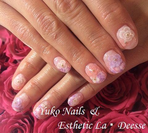 Yuko Nails And Esthetic La Deesse ジェルネイルデザイン♪ (定額制:Diamond)パステルカラーをベースに、お花のシールや同系色の3Dのバラで奥行のあるデザイン。エレガント&ゴージャスな当店オススメデザイン♪