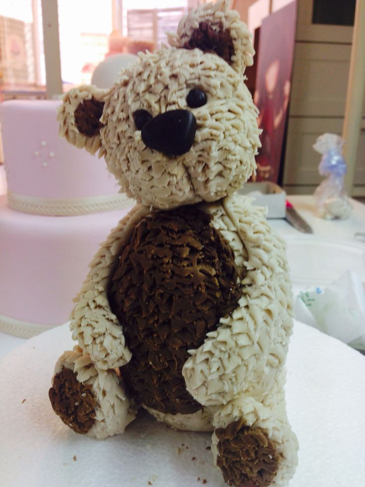 Bear in sugar paste by Kiki.
