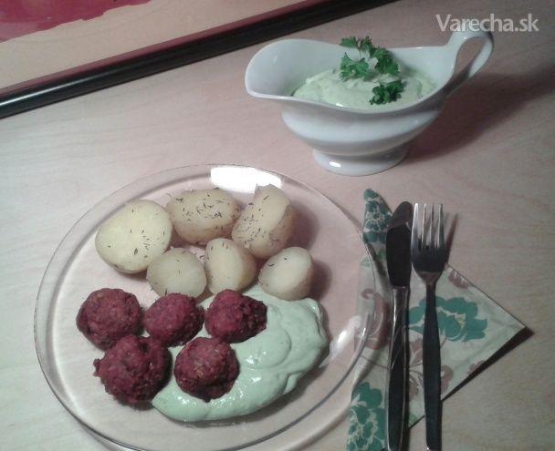 Cviklové guľky a fašírky s mungom, tekvicovými semienkami a slnečnicou (fotorecept) - Recept