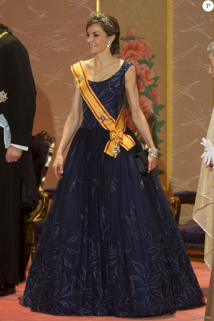 La reine Letizia d'Espagne lors du dîner de gala donné en l'honneur du roi et de la reine d'Espagne en visite officielle au Japon à Tokyo le 4 avril 2017.  Gala dinner for Spanish kings on occasion for their official visit to Japan in ImperialPalace in Tokyo on Wednesday 5 April 2017. On the first day of their 3 day tour of Japan04/04/2017 - Tokyo