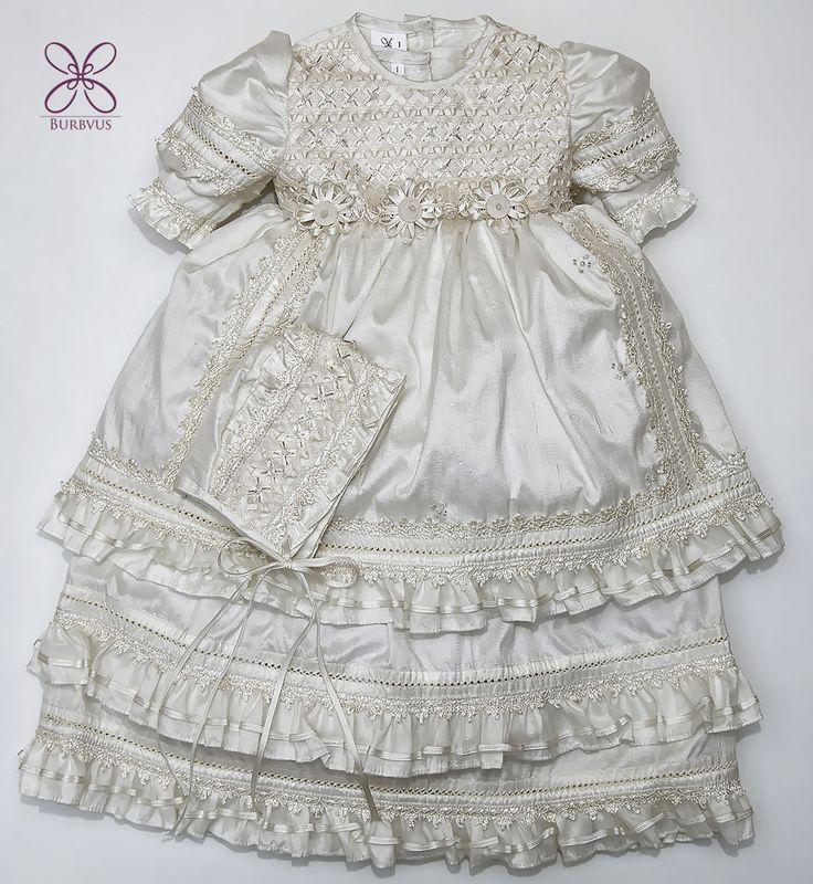 - Ropon G004 para niña - Seda color Hueso (tambien disponible en blanco) - Detalles con canutillo bordado a mano
