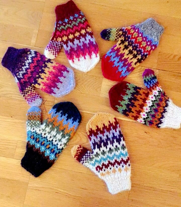 Freshly knitted mittens