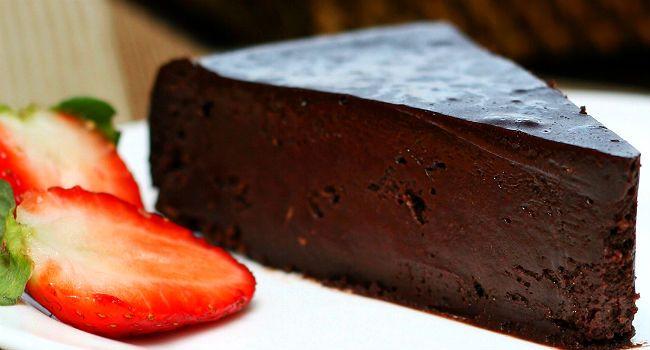 torta de chocolate amargo absurdamente cremosa