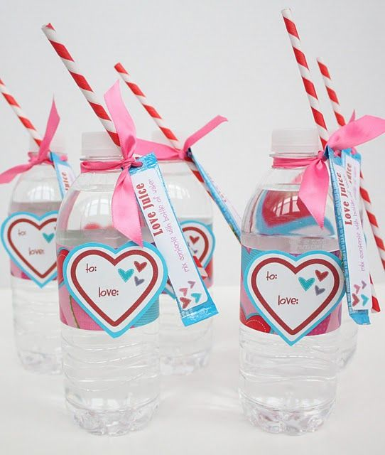 """""""Love Juice"""" - Valentine's Day gift idea. Directions and free printable at site: Valentines Ideas, Gifts Ideas, Cute Ideas, Valentines Day, Valentine Ideas, Valentinesday, Vday, Kid, Water Bottles"""