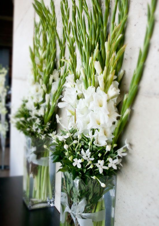 Gladiolus arrangement for entryways