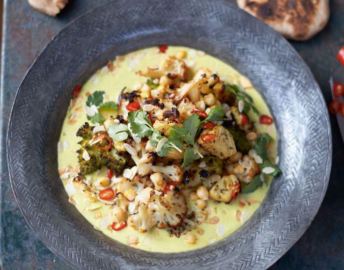 Spennende stekt blomkål med frisk ananas og chili - Tara