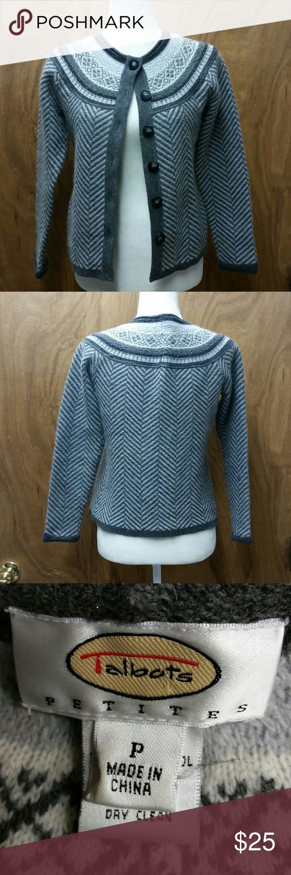 Talbots petites sweater size p Beautiful sweater in great condition Talbot's Petite size P Talbots Sweaters