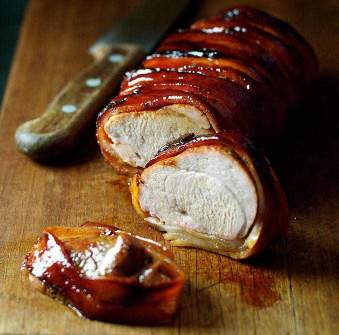 C'est une recette de filet de porc qu'on a généreusement enroulé de bacon afin de produire quelques choses de vraiment délicieux! Facile à faire en plus...