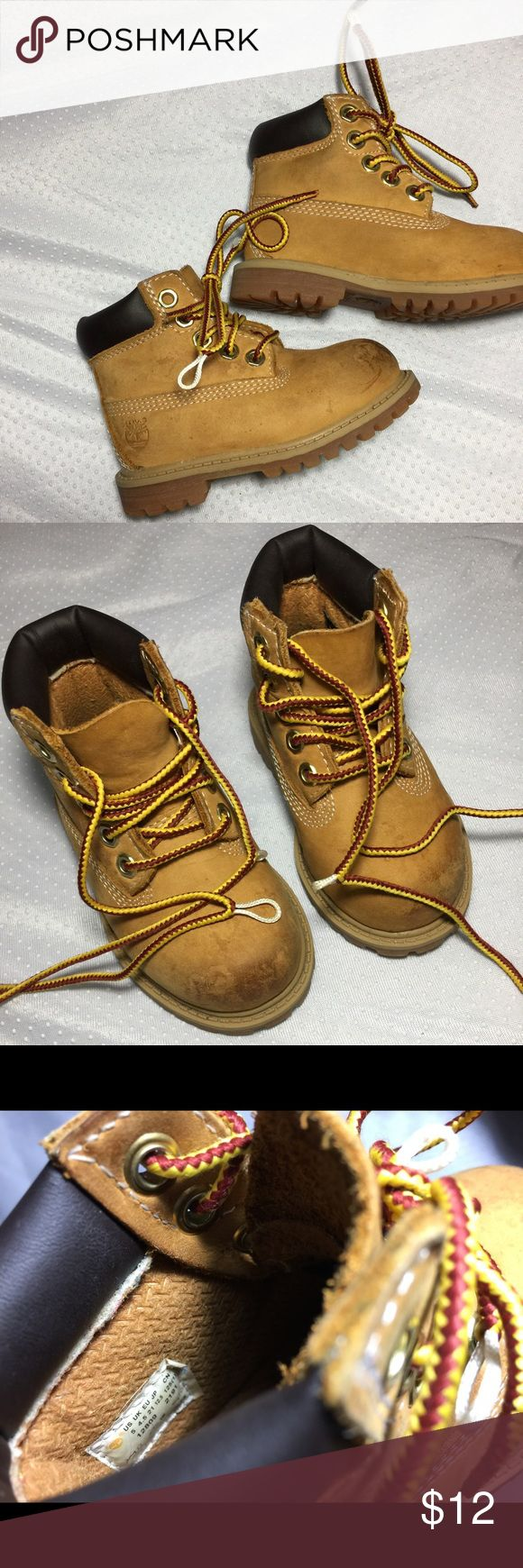 Toddlers Unisex Timberlands Size:5 Flaw: the laces are popping out and the very front looks like there are very small scratches. Once I clean them I will re-upload. ✨Buy 5+ (separate) children's items and get them each for $3. (dresses will be $5; jeans $5; baby's nikes/timberlands/converse $7)✨ Timberland Shoes Boots