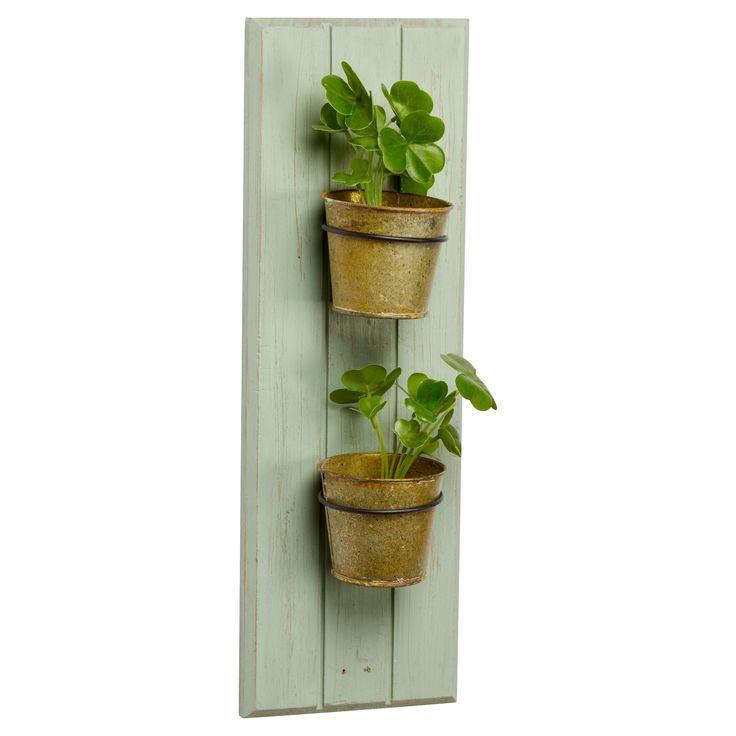 Sfeervolle wanddecoratie met bloempotten. Materiaal: hout. Kleur: groen. Afmeting: 16x45 cm (bxh). #tuin #tuindecoratie #bloempot #KwantumLente