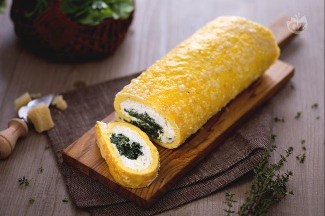 Il rotolo ricotta e spinaci è un'idea innovativa per uno dei più classici abbinamenti! Perfetto da servire come antipasto o secondo piatto.
