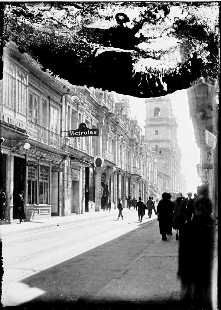 *1910 Carrera 7a. Hacía la Plaza de Bolivar Bogotá.
