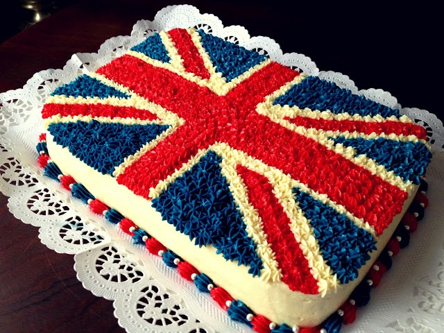 Union Jack Cake :) I want this for my birthday!! <3