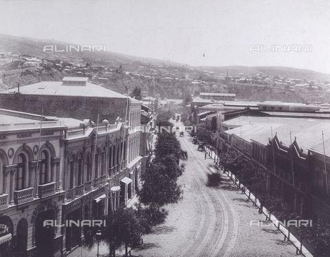 Valparaíso (Chile) - Viale della Vittoria (Calle de la Victoria) a Valparaiso, Cile, 1900 ca., Raccolte Museali Fratelli Alinari (RMFA), Firenze