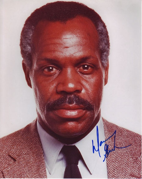 Whaaaaaaaaaaaaaaaaaaaaaaaa! Predator 2 is on AMC .... afternoon cancelled! #iheartdannyglover