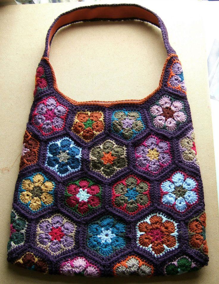 Ravelry: AnnR's African Flower Shoulder Bag