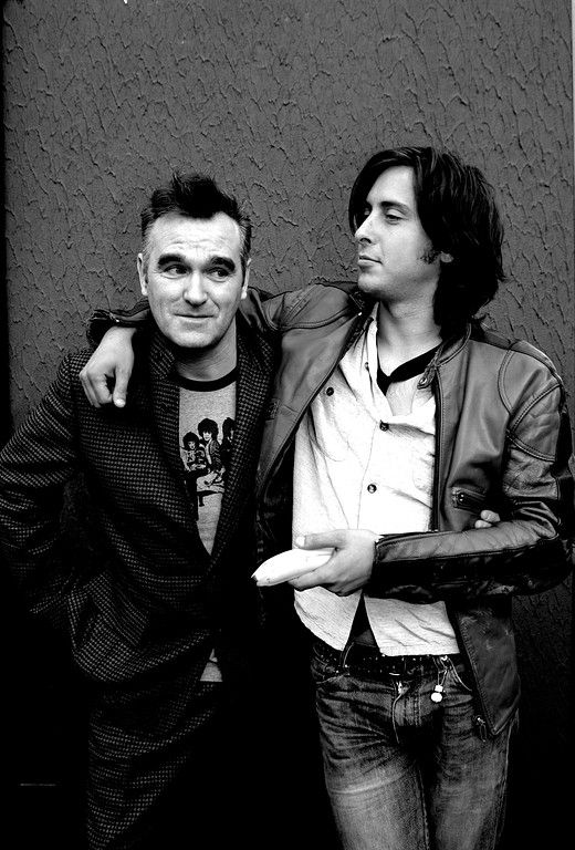 Morrissey with Carl Barat at Reading Festival 2004