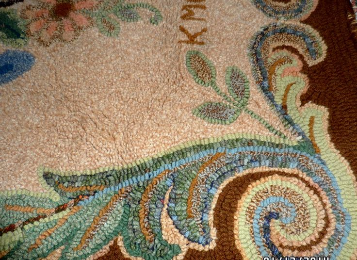 Lovely Pretty Scroll Pattern On A Hand Hooked Rug.