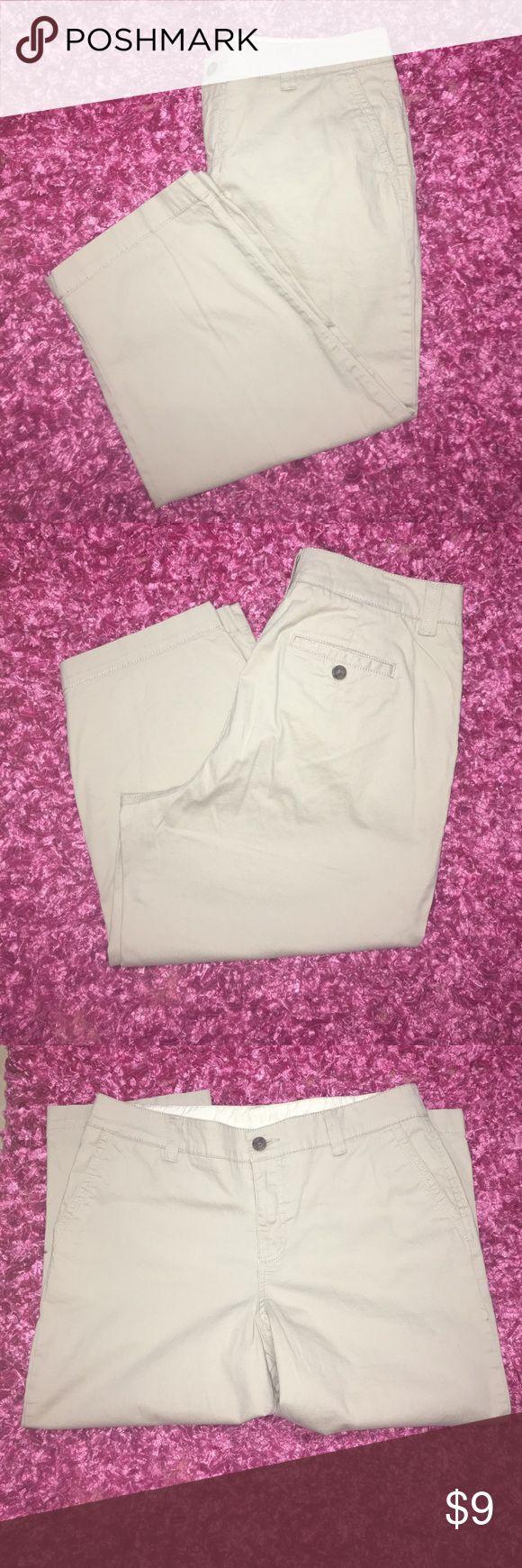 Sonoma Khaki Capri. Sonoma Capri khaki color. Size 12. Really good shape. Sonoma Pants Capris