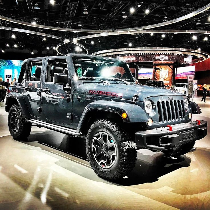 Jeep Wrangler Rubicon Hard Rock at NAIAS Detroit 2017. #naias2017 #naias #quickcarreview #cars #carsofinstagram #auto #instacars #review #worldpremiere #jeep #jeepwrangler #wrangler #suv @jeep_deutschland @jeep