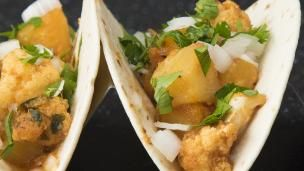 Try these Cauliflower Al Pastor Tacos for Meatless Monday, or anytime of the week. They are so good! ...