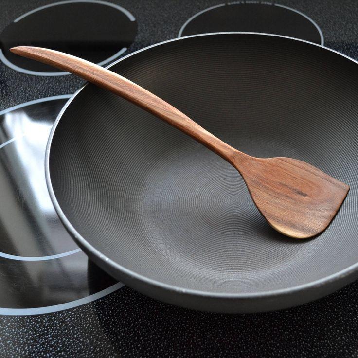 spatule gauchère fait main en bois recyclé acacia