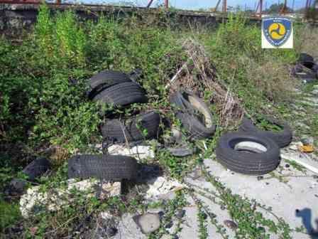 Conca di Agnano: rinvenuta discarica abusiva di pneumatici usati